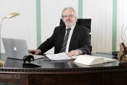 Rechtsanwalt & Notar Ernst Schillmöller